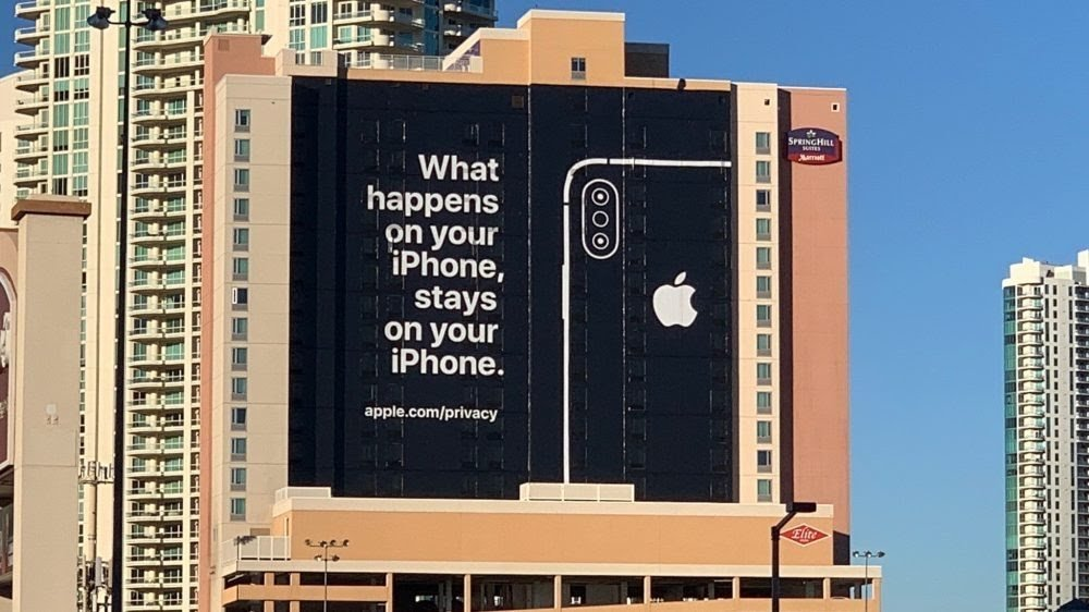 Apple CES 2019 advertisement boasting about privacy on iPhones.