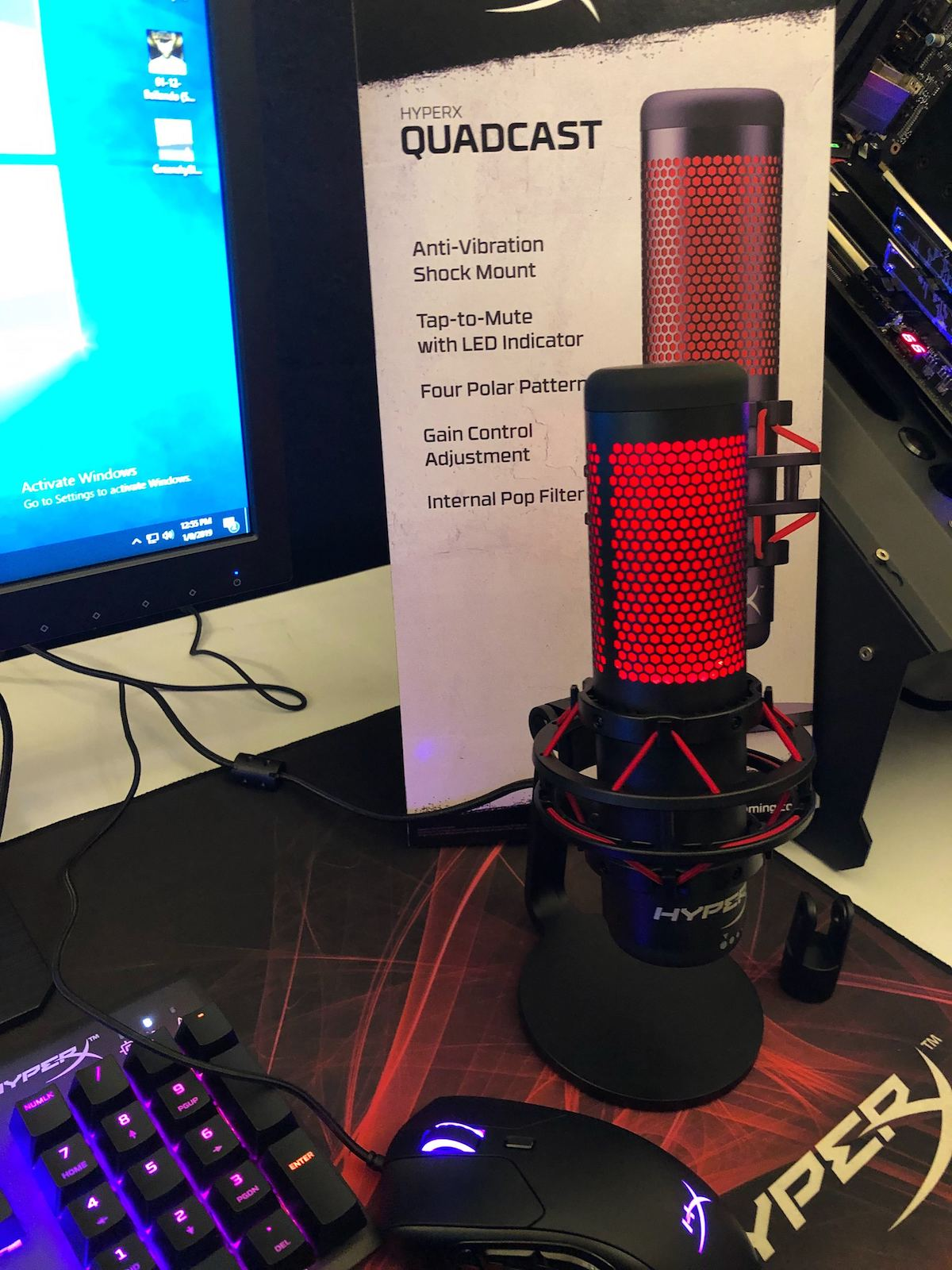 HyperX threw their hat in the gaming mic ring with their announcement of the impressive Quadcast mic at CES 2019.