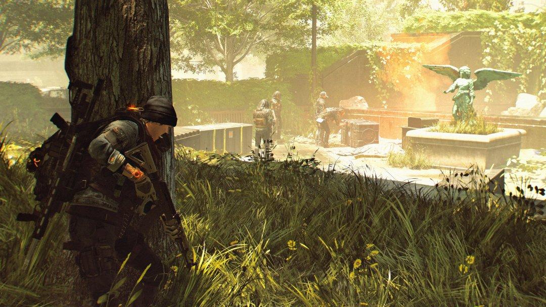 The Division 2 Screenshot hiding behind tree