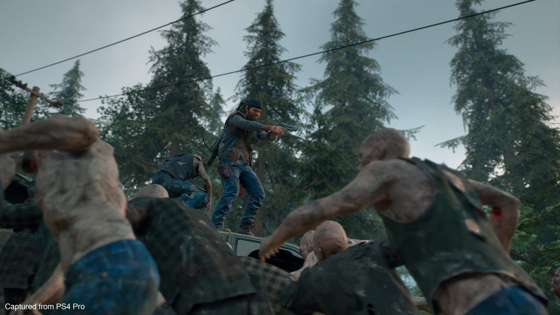 Days Gone screenshot Deacon faces a horde of Freakers