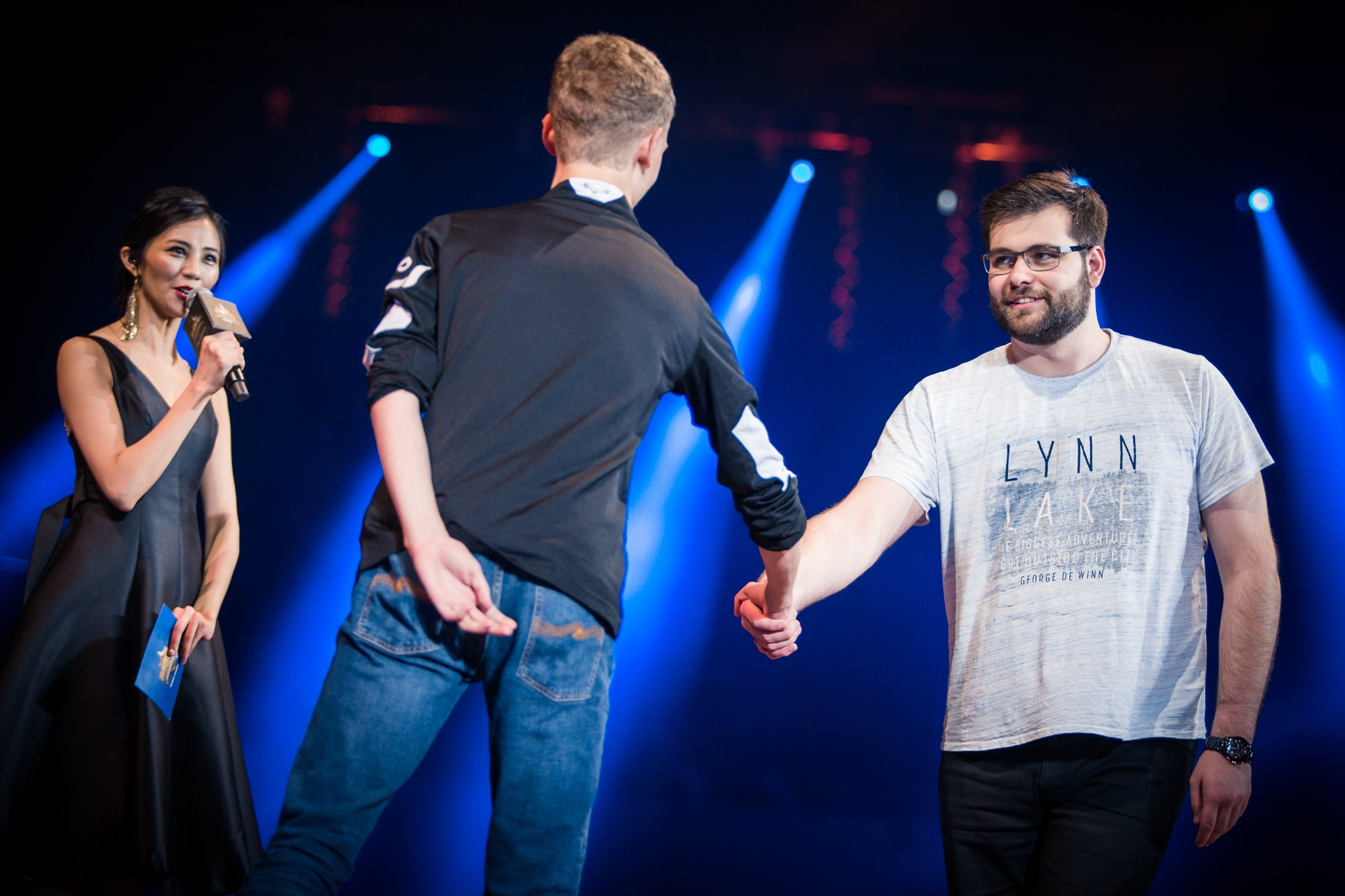 Hunterace and Viper at the start of the Grand Finals (Photo credit: Helena Kristiansson for Blizzard Entertainment)