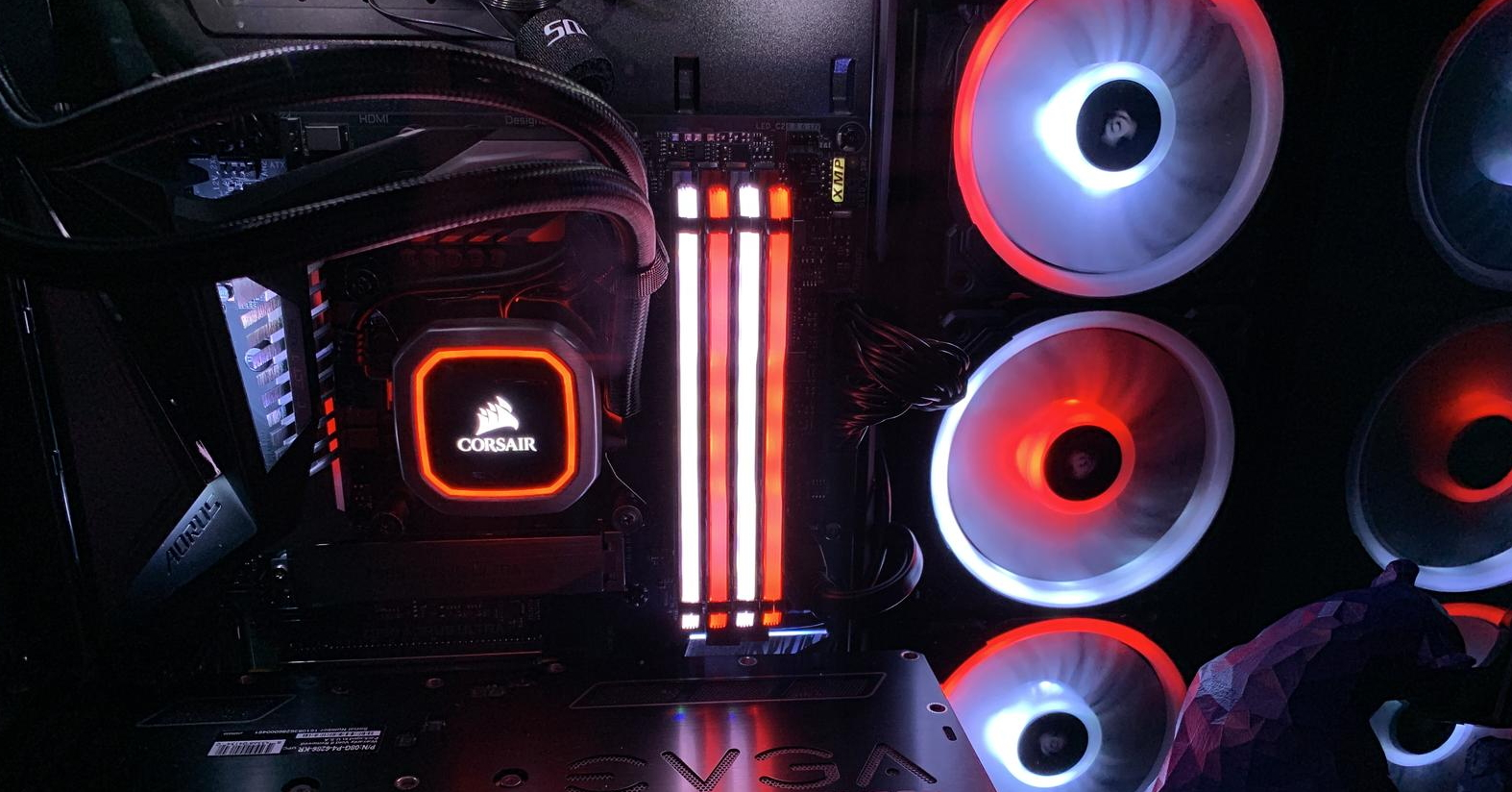 The Corsair RGB RAM and fans can be synchronized via iCUE. (Photo by Pausanius at PCPP)