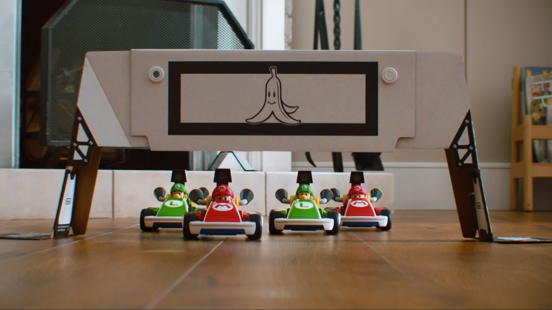 Does Mario Kart Live: Home Circuit have multiplayer?