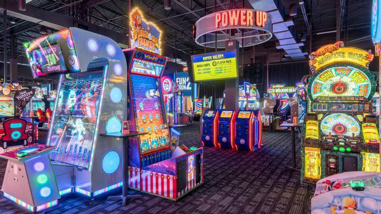 dave & busters cary towne center