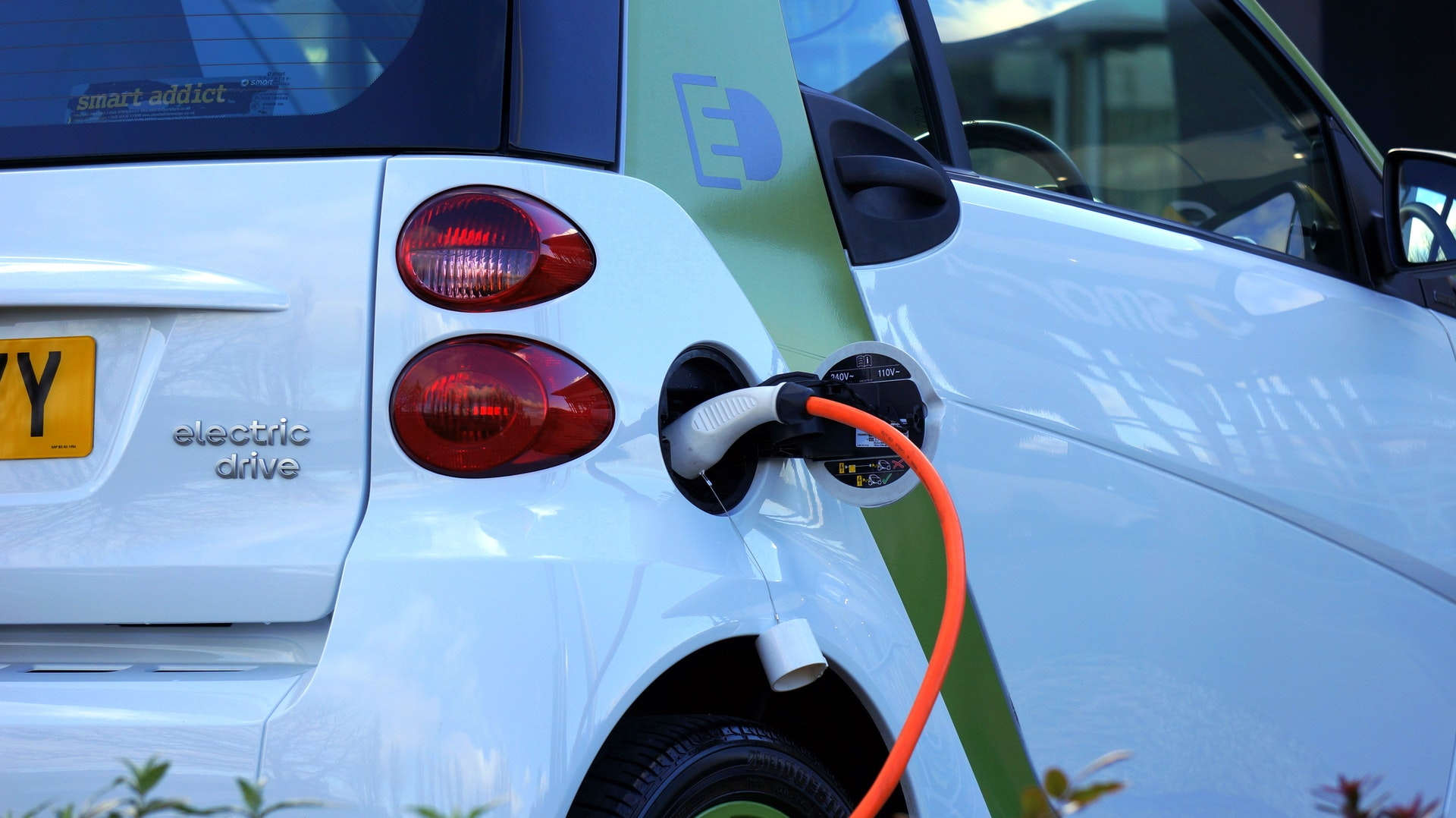 The future of the electric vehicle market is too enticing for investors to avoid.